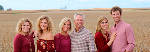 Tori Streitmatter from Sparland, Illinois, spends time with her family on their farm. From left to right: Streitmatter, her twin sister Taylor, her mother Ann, her father Dave, her sister-in-law Kaitlyn and her brother Jay.